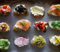 ¿Con cubiertos o finger food?