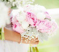 Ramos con flores enormes